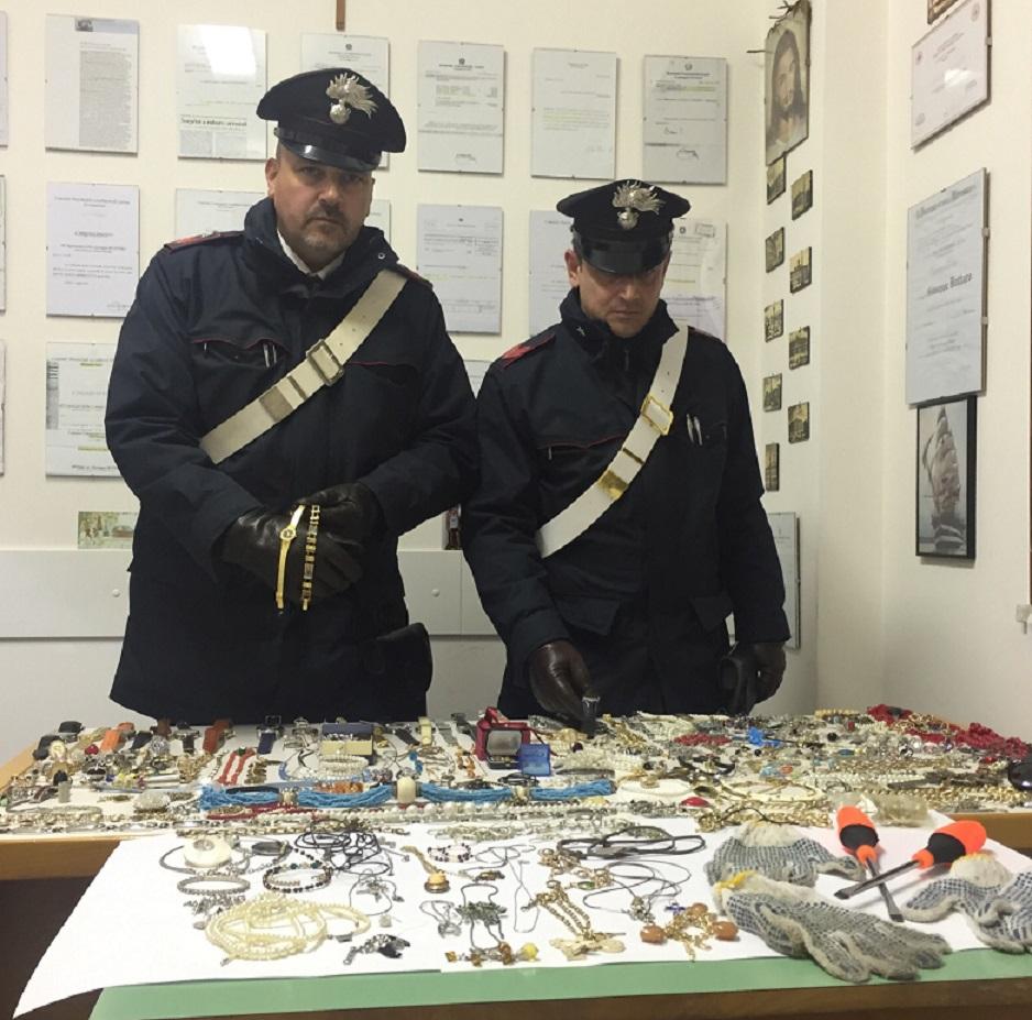 refurtiva e carabinieri