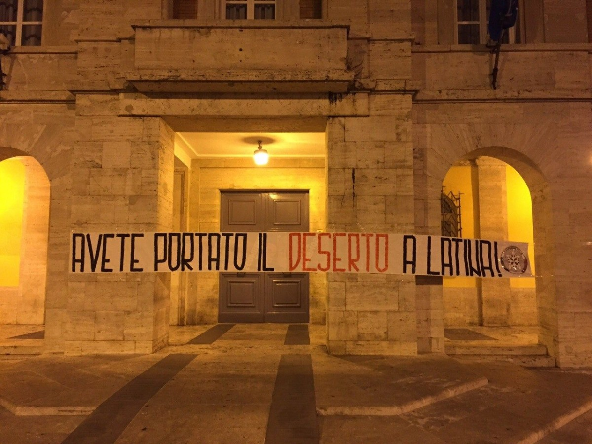 Latina casapound scende in campo da sola savastano sar for Idea casa latina