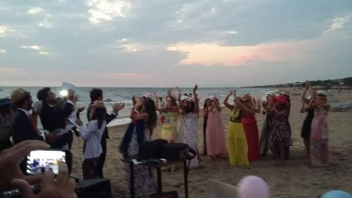 Matrimonio Spiaggia Circeo : Sabaudia matrimonio vip sulle dune per il figlio di